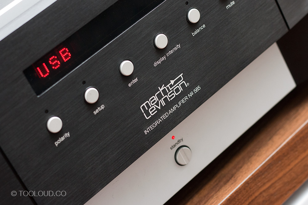 Mark Levinson No  585 integrated amplifier - Too Loud Blog