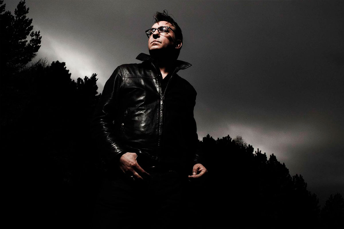 Richard-Hawley-04